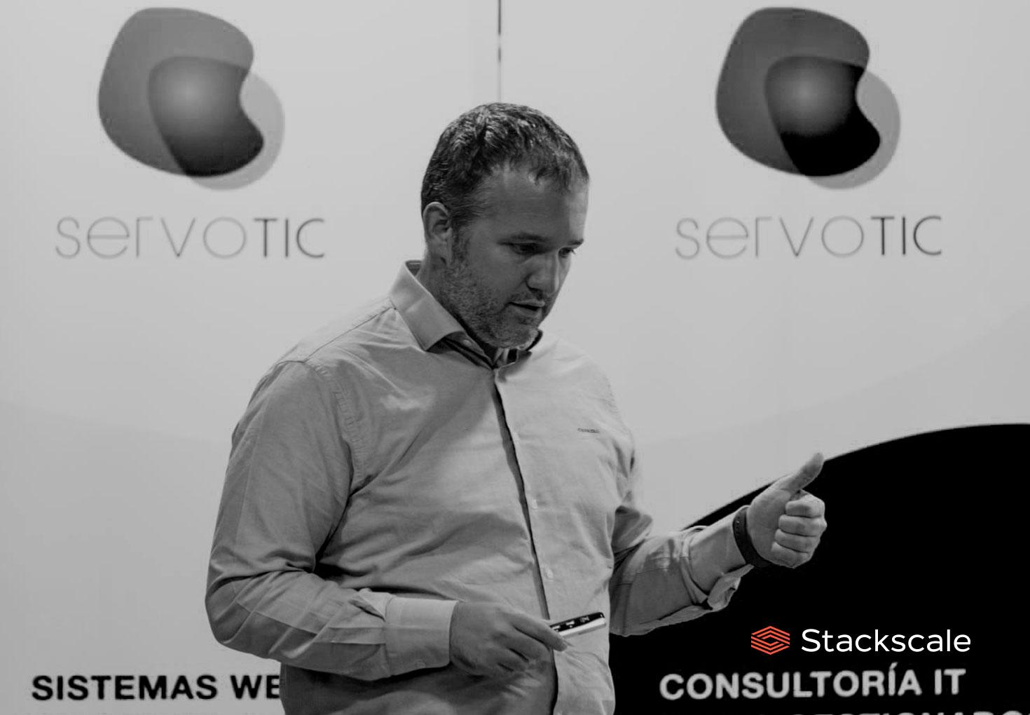 David Carrero de Stackscale en el evento Servotic en IMPACT HUB